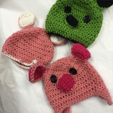 Off the Hooks: Piggy Hats!