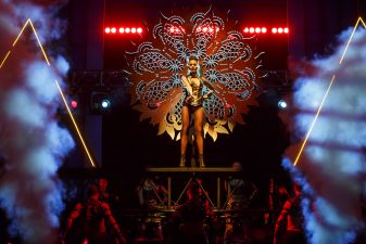 Review: @TheBodyguardUS at @KimmelCenter now through 2/26